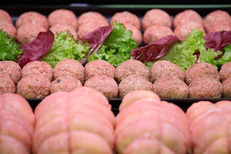 Piatti pronti da cuocere con ingredienti selezionati